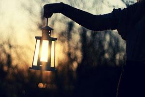 پیتر دراکر: گذشته همیشه چراغ راه آینده نیست